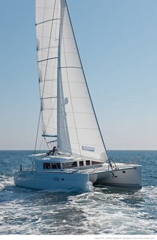 Sailing catamaran Evi