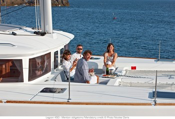 Sailing catamaran Evi - The foredeck