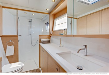 Sailing catamaran Evi - The bathrooms