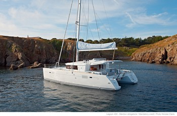 Sailing catamaran Evi - Anchored in a bay