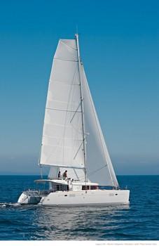 Sailing catamaran Evi - Under sail