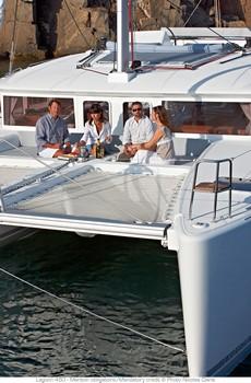 Sailing catamaran Evi - The foredeck