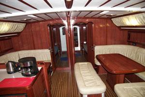 Sailing yacht Mythos II - salon