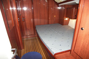 Yacht Velos - starboard bow cabin